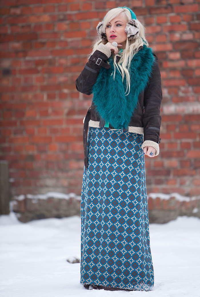 С чем носить длинную юбку в клетку