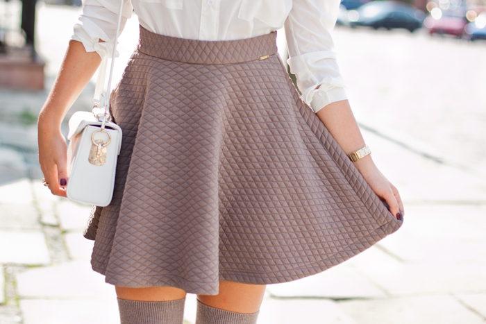 С чем носить юбку в клетку формы трапеция