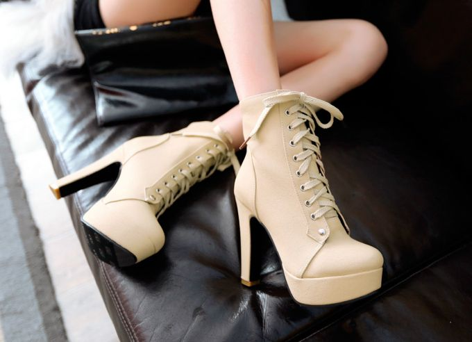 ботильоны на толстом каблуке со шнурками
