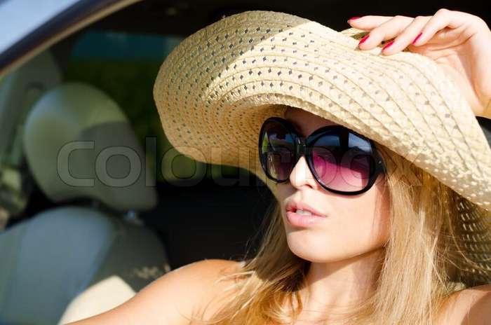 модная плетеная женская шляпа с очками