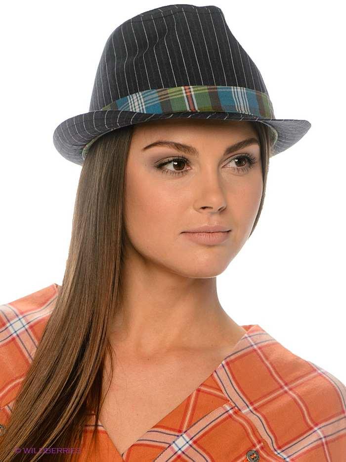 женская шляпа с высокой тульей