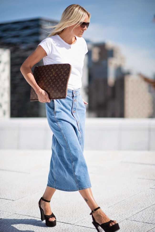 С чем носить джинсовую юбку миди